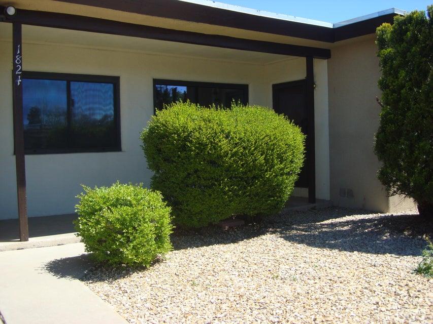 1824 Dakota Street NE, Albuquerque, NM 87110