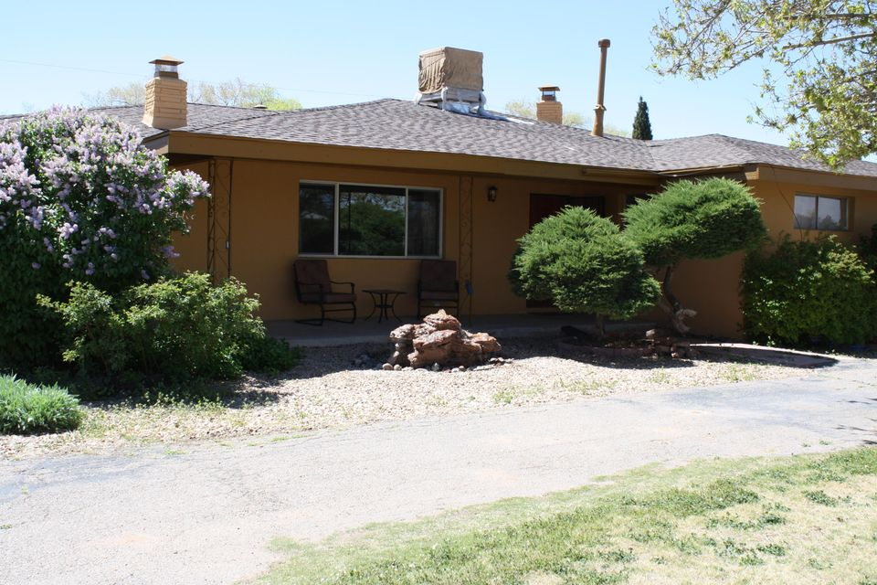 204 Ortega Road NW, Albuquerque, NM 87114
