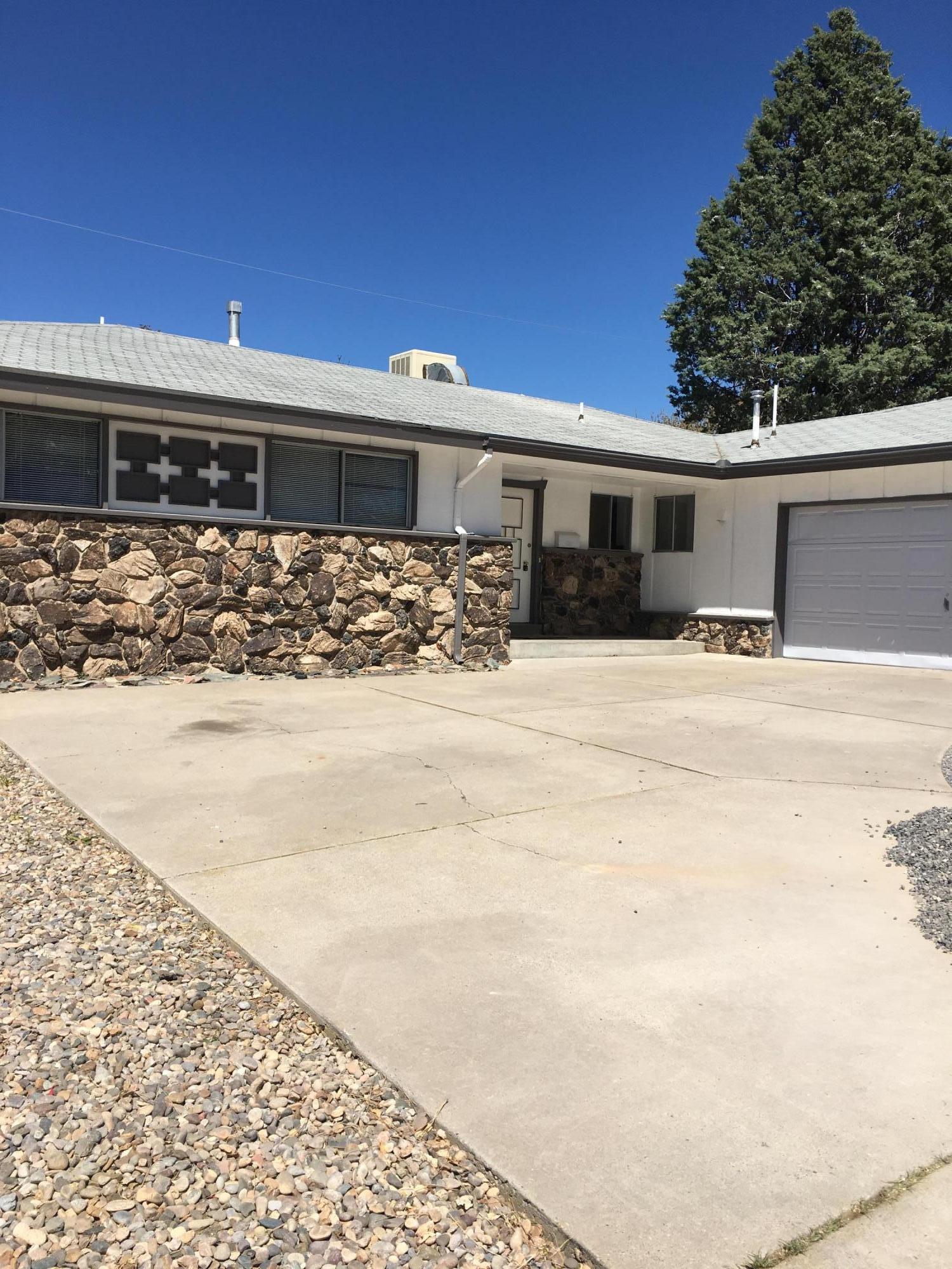 10213 San Gabriel Street NE, Albuquerque, NM 87111