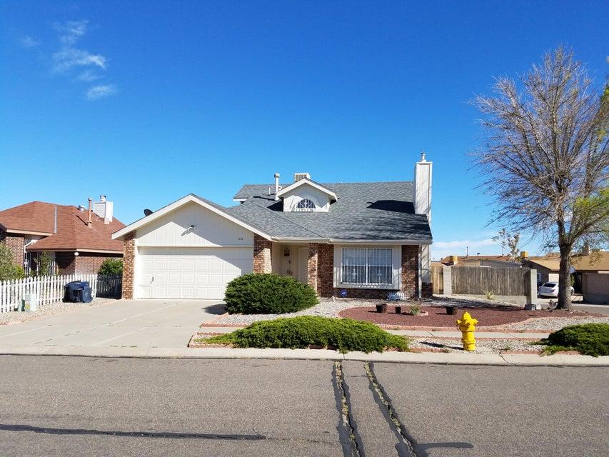 616 Puffin Street SW, Albuquerque, NM 87121
