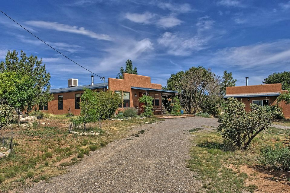 19 Quarter Moon Hill Road # B, Edgewood, NM 87015