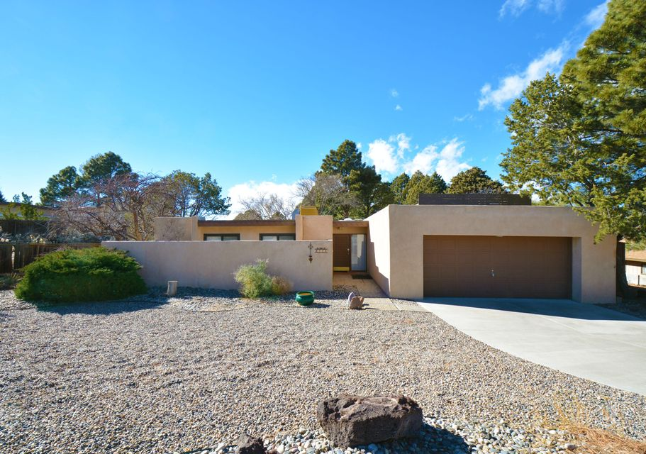 635 Running Water Circle SE, Albuquerque, NM 87123