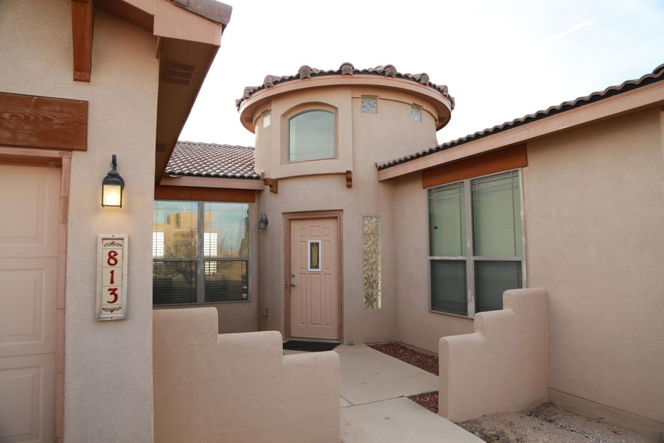 813 6Th Street NE, Rio Rancho, NM 87124