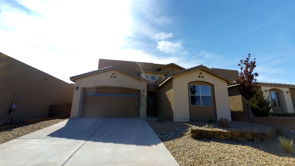 8823 Valle Prado Lane NW, Albuquerque, NM 87114