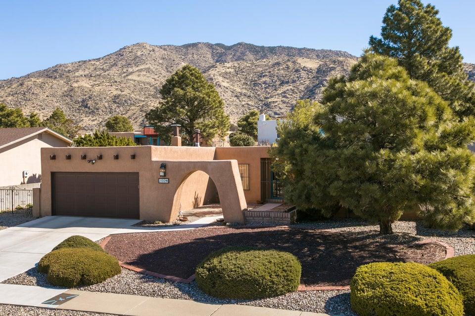 2100 White Cloud Street NE, Albuquerque, NM 87112