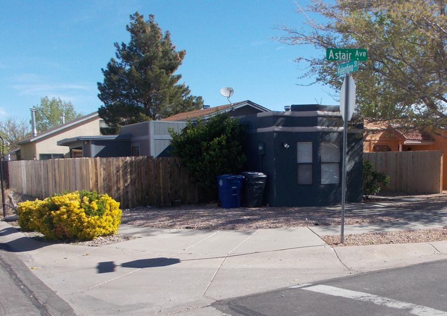 6631 Astair Avenue NW, Albuquerque, NM 87120
