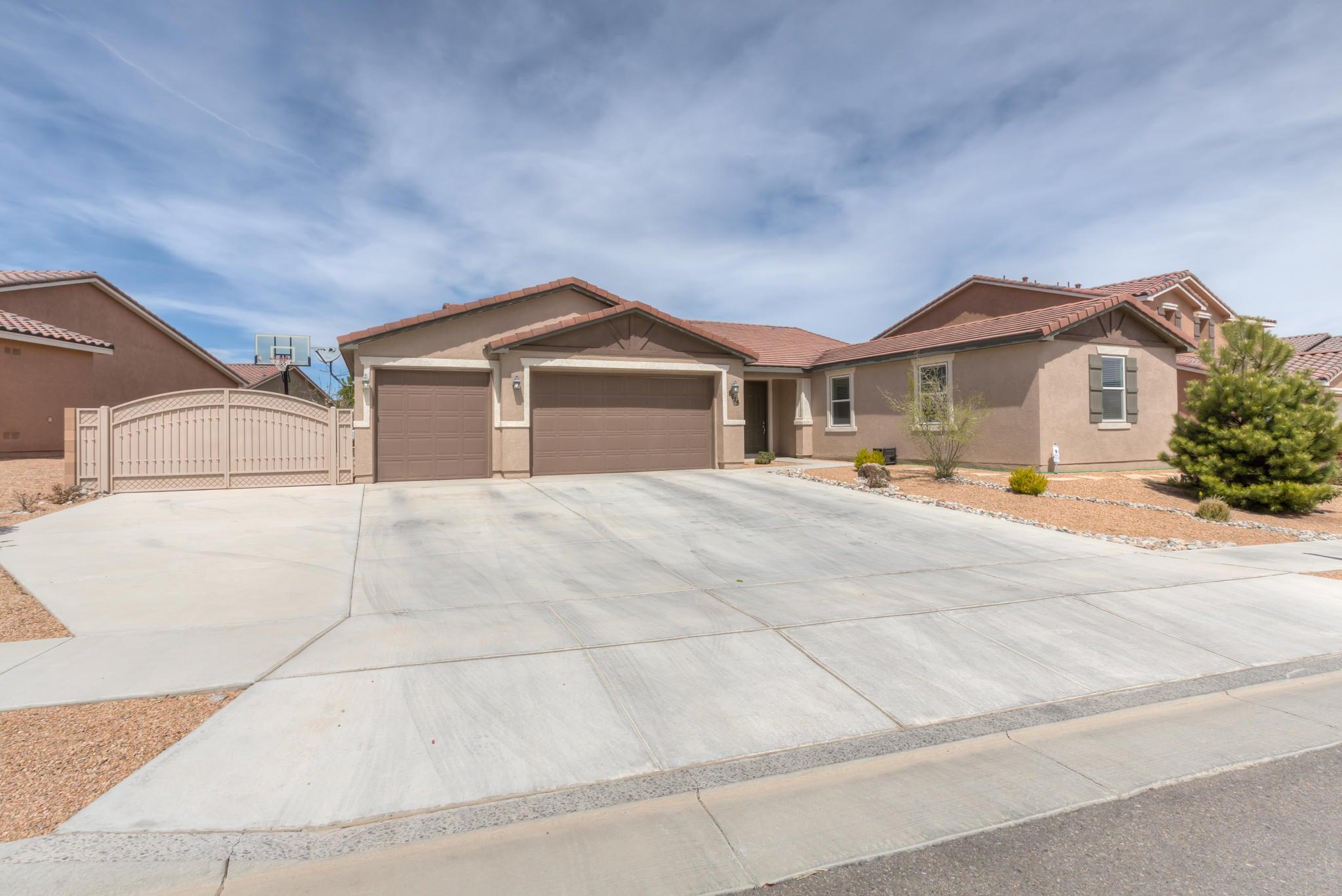 8615 Mesa Top Road NW, Albuquerque, NM 87120