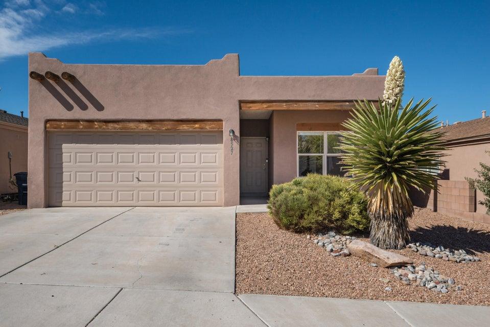 8527 Vista Penasco Avenue SW, Albuquerque, NM 87121