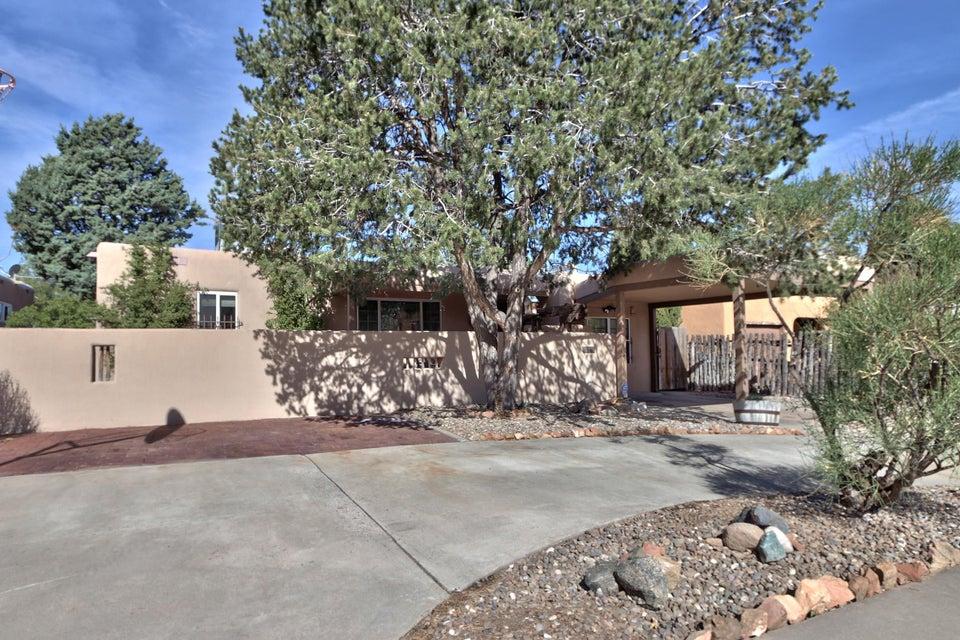 1229 Lafayette Drive NE, Albuquerque, NM 87106