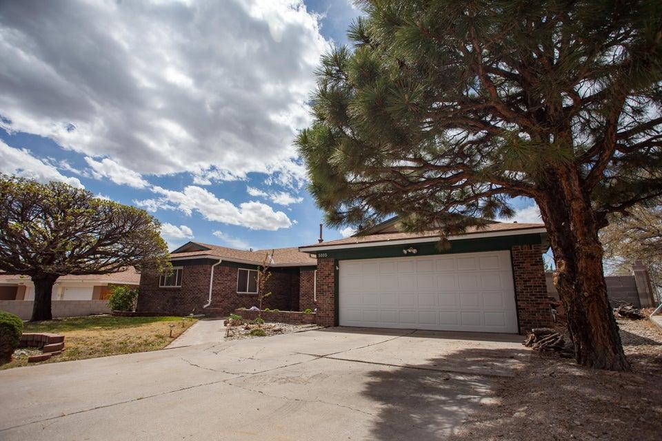 5005 NE Montego Place NE, Albuquerque, NM 87111