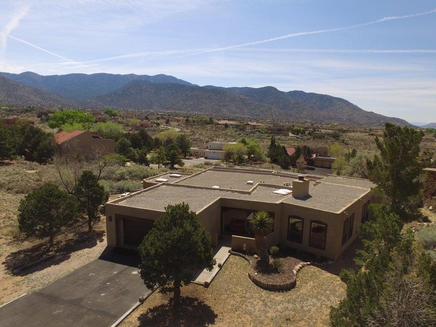 1209 Marigold Drive, Albuquerque, NM 87122