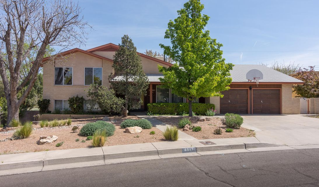 4517 Altura Place NE, Albuquerque, NM 87110