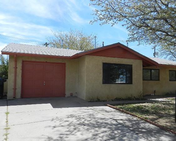 1424 Glorieta Street NE, Albuquerque, NM 87112