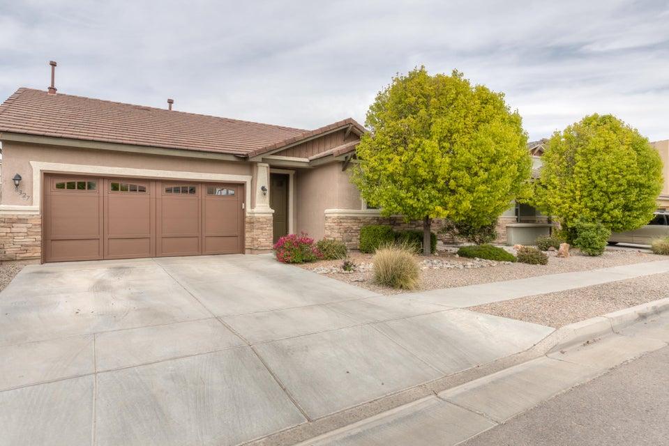 8327 Hawk Eye Road NW, Albuquerque, NM 87120