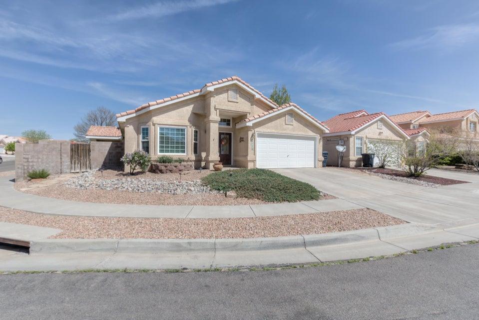 6423 Donia Avenue NW, Albuquerque, NM 87120