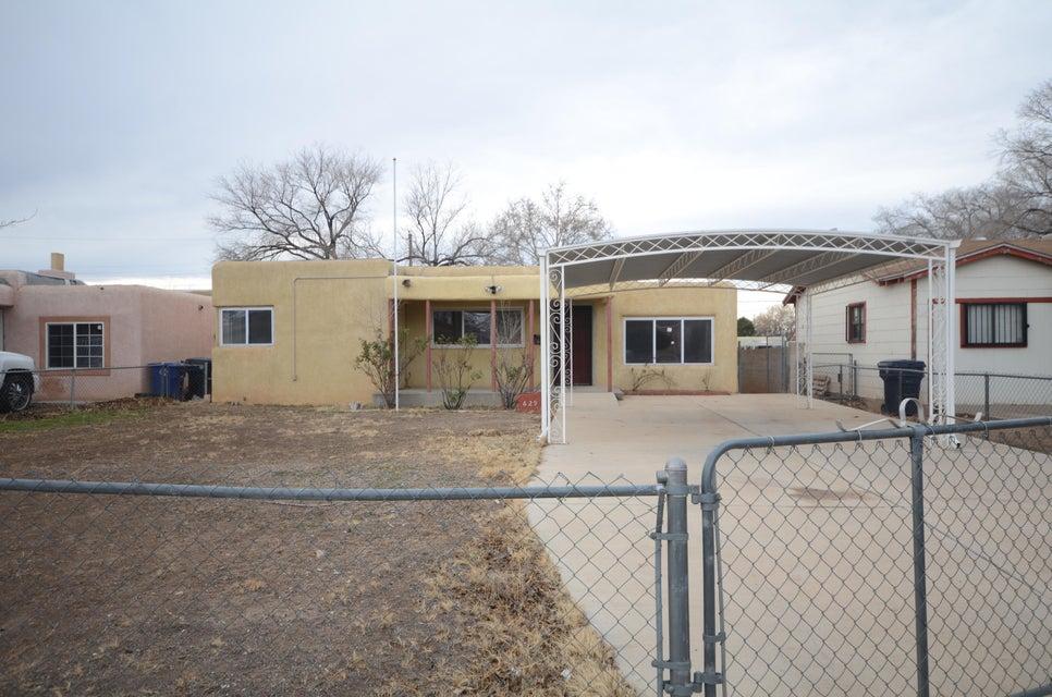 629 Alvarado Drive SE, Albuquerque, NM 87108
