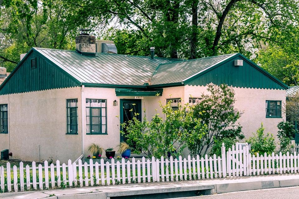 4465 Jupiter Street NW, Albuquerque, NM 87107