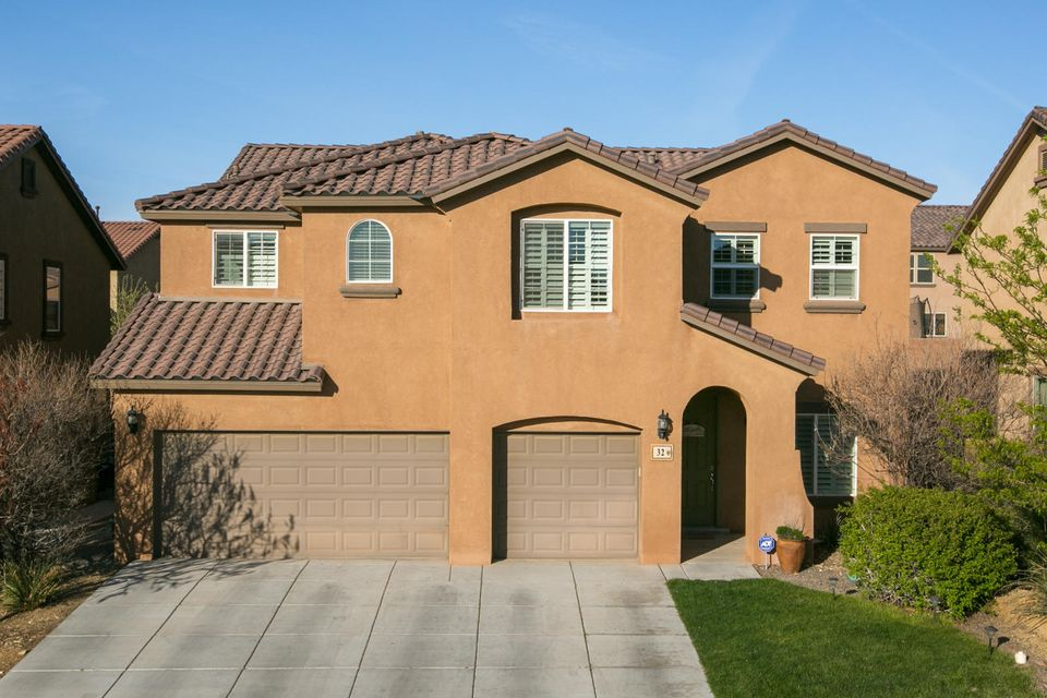 32 Paseo Vista Loop NE, Rio Rancho, NM 87124