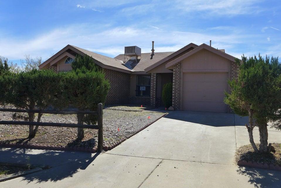 10450 Heron Road SW, Albuquerque, NM 87121