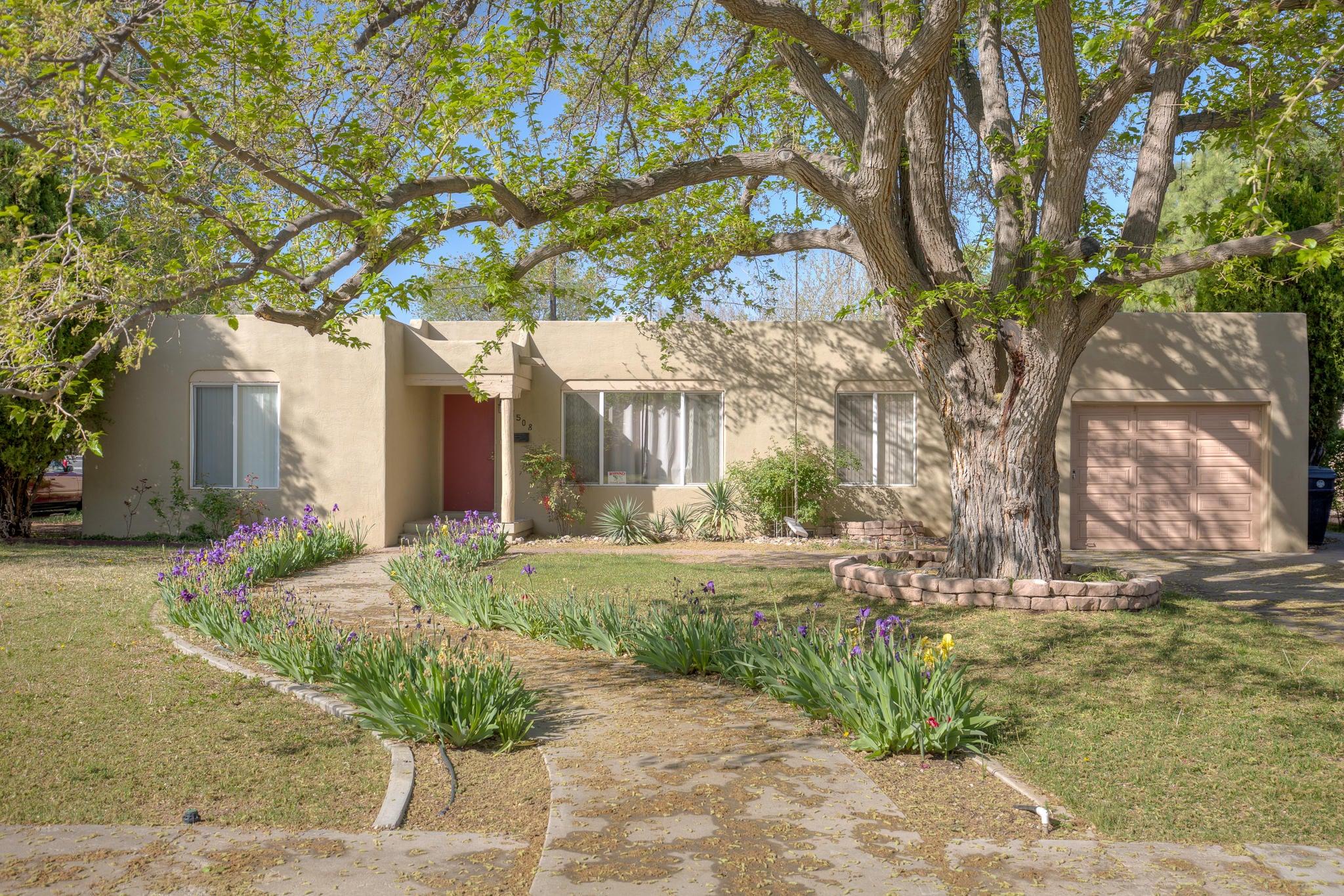 1508 San Carlos Road SW, Albuquerque, NM 87104