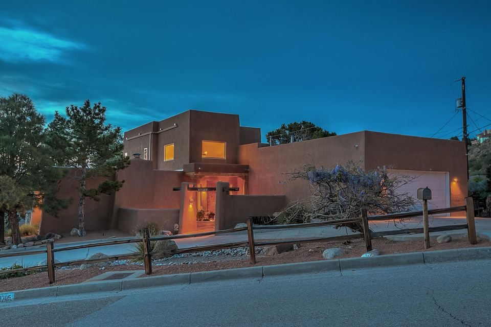 13305 Hidden Valley Road NE, Albuquerque, NM 87111