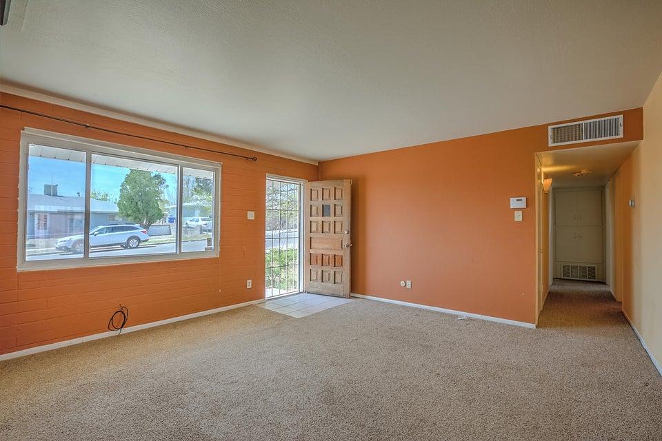 10607 Jenaro Street SW, Albuquerque, NM 87121
