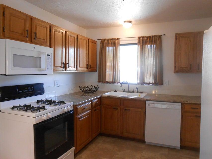 1813 Elizabeth Street NE, Albuquerque, NM 87112