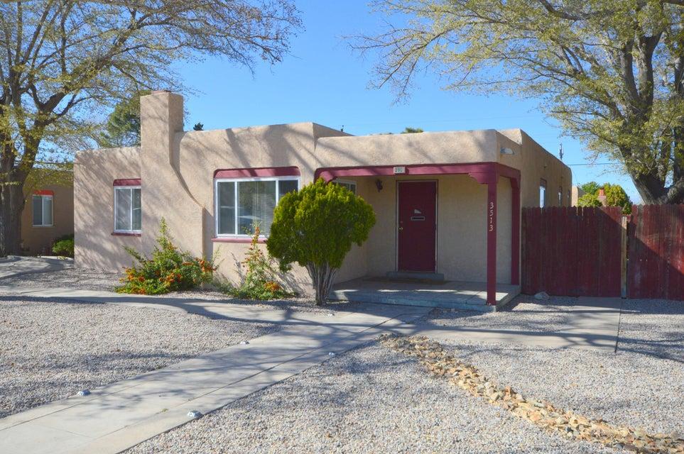 3513 Calle Del Sol NE, Albuquerque, NM 87106