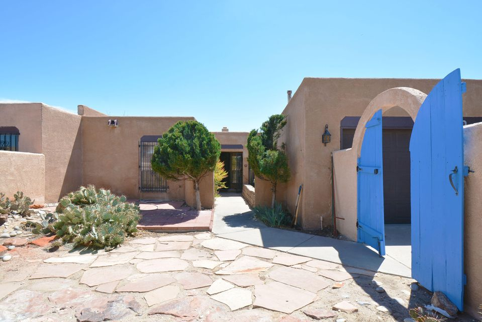 4660 Greene Street NW, Albuquerque, NM 87114