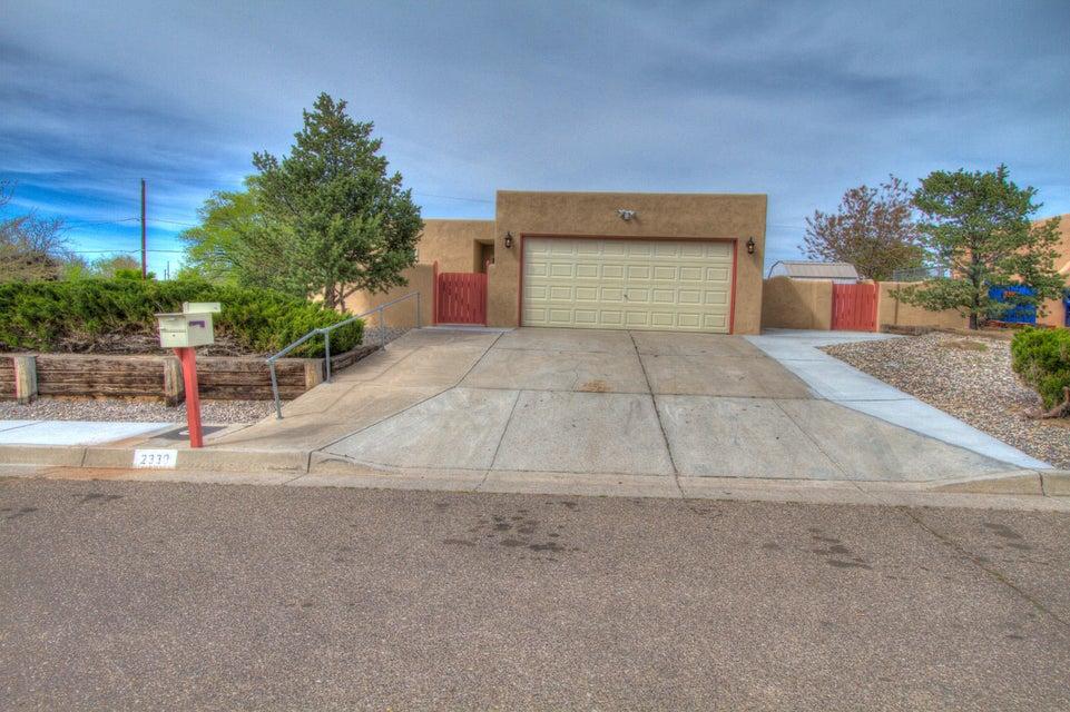 2330 La Vista Court NW, Albuquerque, NM 87120