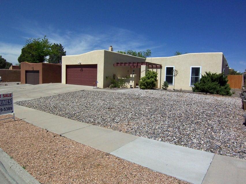 6337 Avenida La Costa NE, Albuquerque, NM 87109