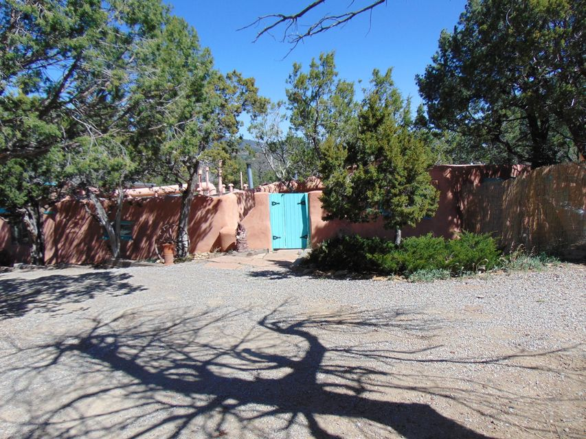36 El Gallo Road, Cedar Crest, NM 87008
