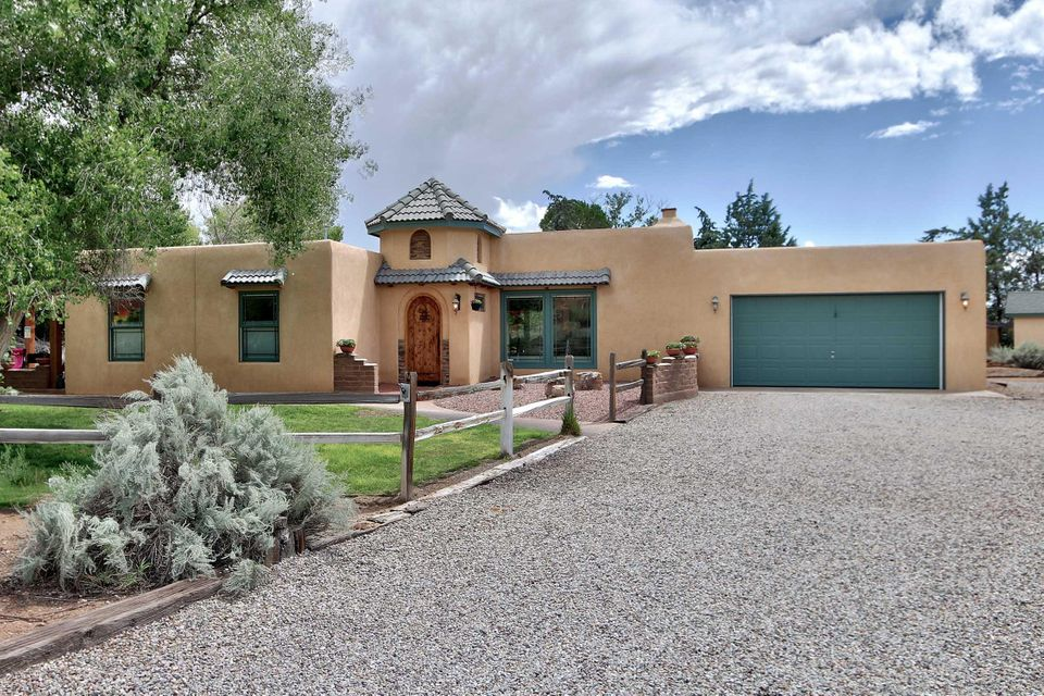 64 Olguin Road, Corrales, NM 87048