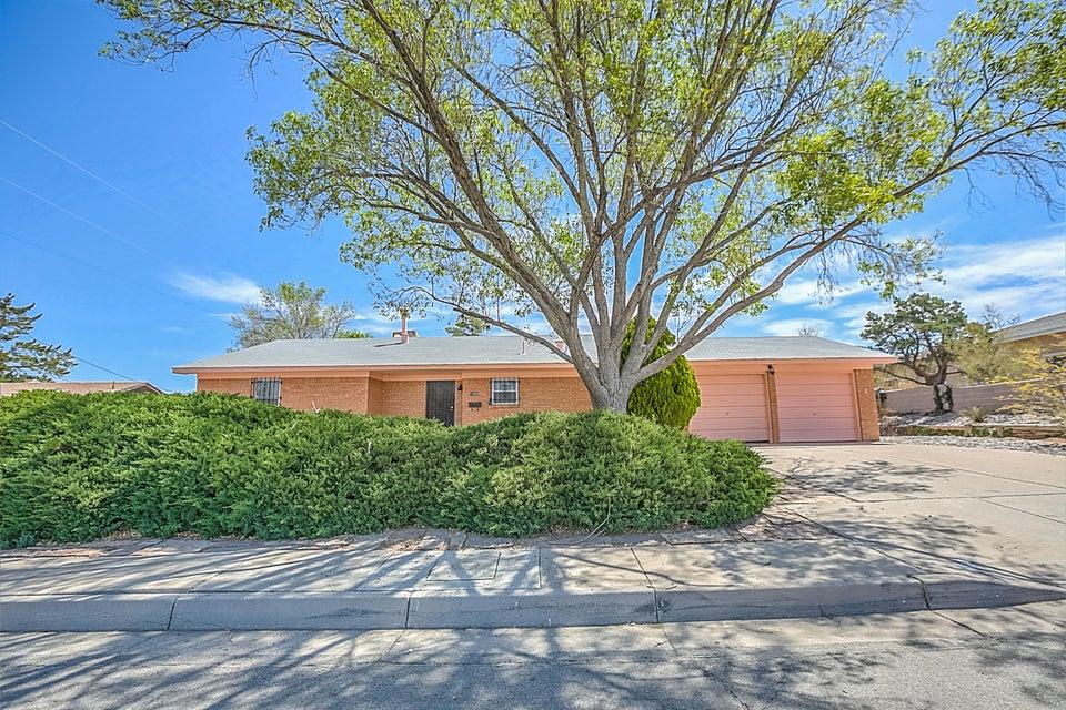 1404 Kentucky Street SE, Albuquerque, NM 87108
