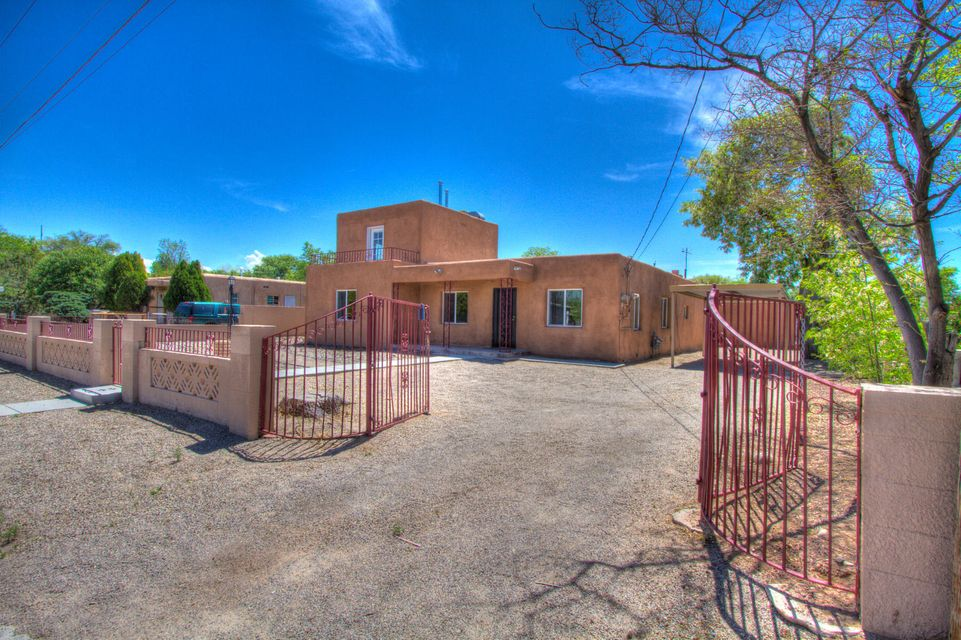 226 Hendrix Road NW, Albuquerque, NM 87107