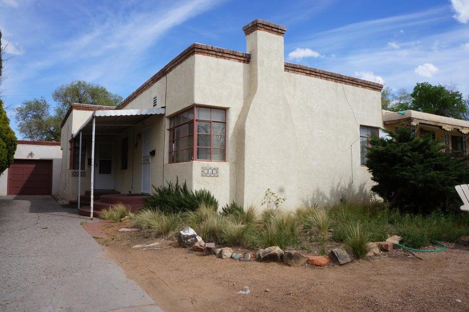 212 Amherst Drive SE, Albuquerque, NM 87106