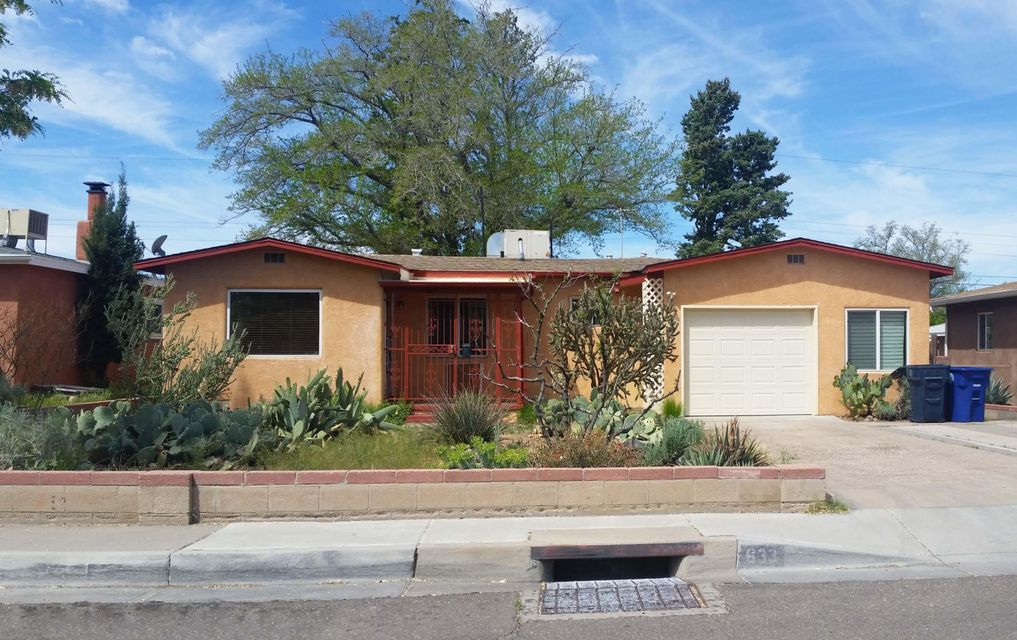 633 Monroe Street SE, Albuquerque, NM 87108