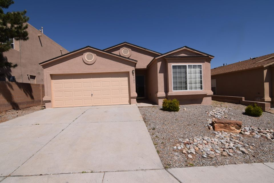 8327 Crimson Avenue NW, Albuquerque, NM 87120