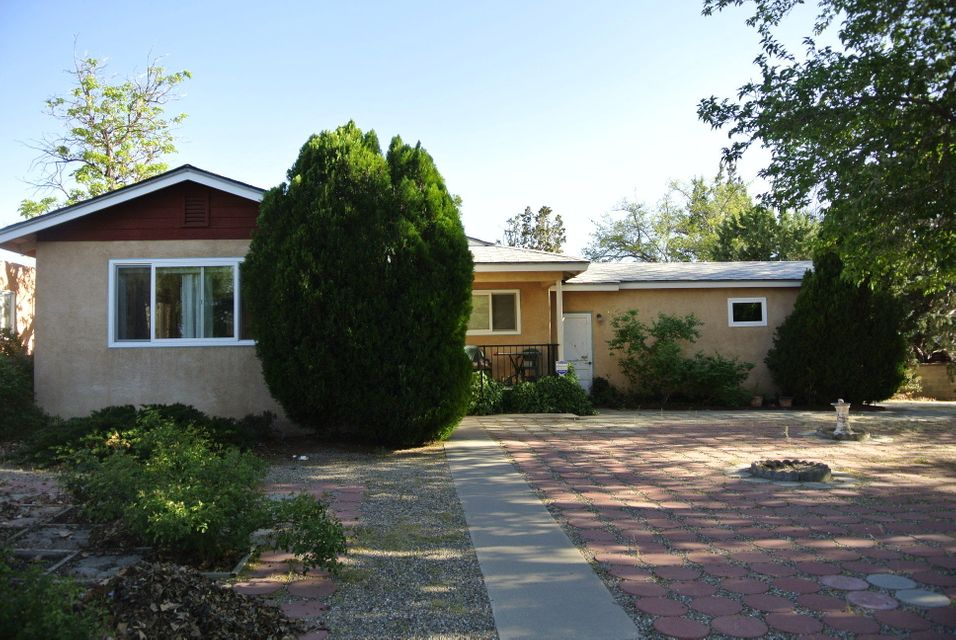 2702 Morrow Road NE, Albuquerque, NM 87106