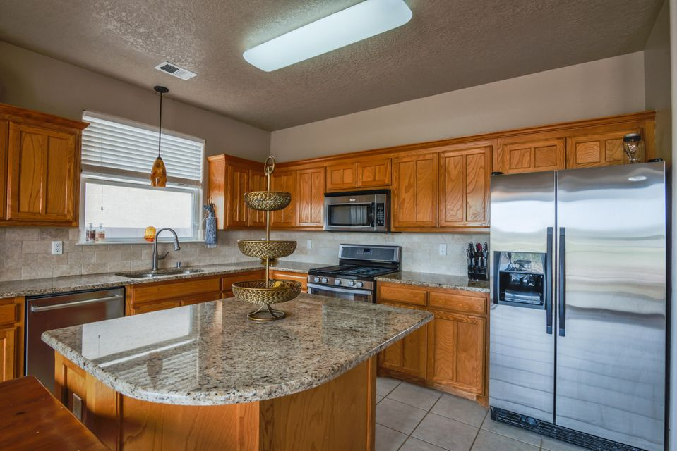 6266 Sierra Nevada Circle NW, Albuquerque, NM 87114