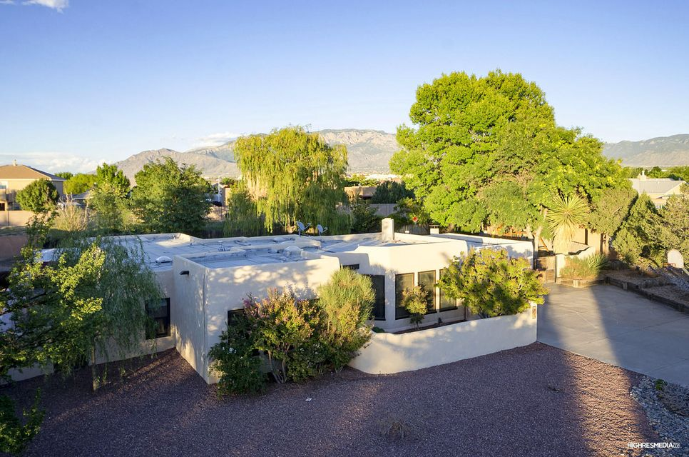 309 Quebrada Lane NE, Albuquerque, NM 87113