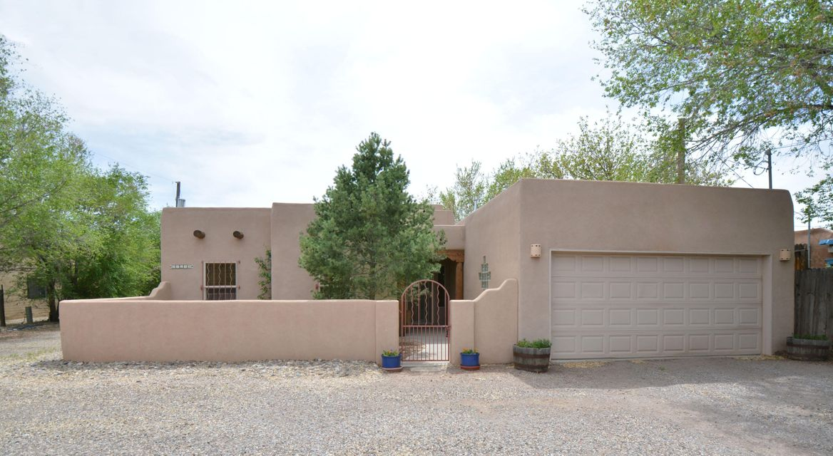 2414 Rice Avenue NW Unit  B, Albuquerque, NM 87104