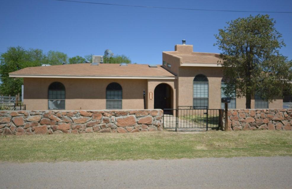 2765 SW Del Norte Drive SW, Albuquerque, NM 87105