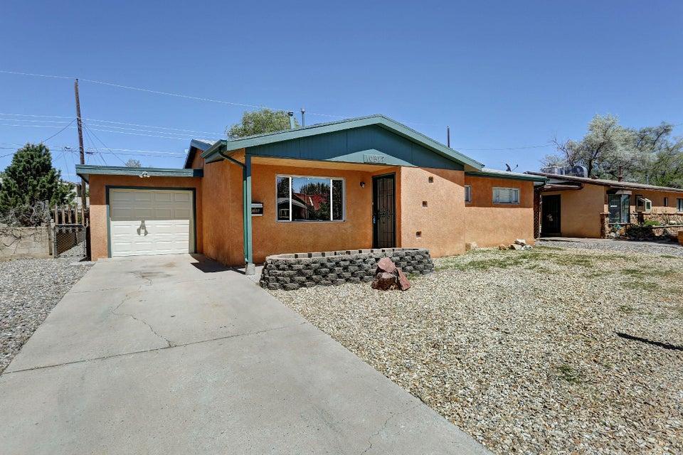 10517 Mountain Road NE, Albuquerque, NM 87112