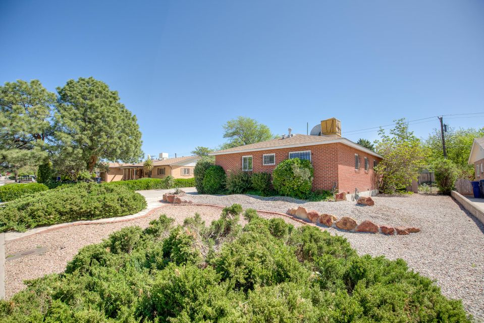 2616 Virginia,Albuquerque,New Mexico,United States 87110,3 Bedrooms Bedrooms,2 BathroomsBathrooms,Residential,Virginia,889713