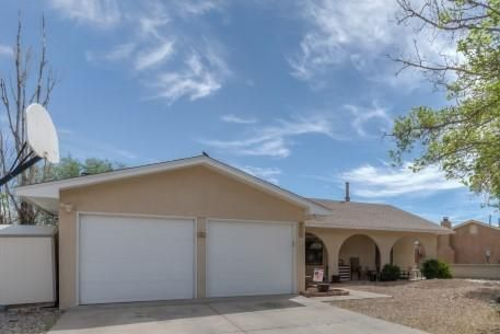 6926 Quarterhorse Lane NW, Albuquerque, NM 87120