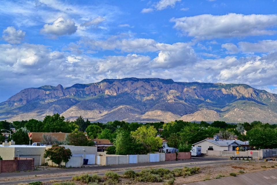 8905 Osuna Road NE, Albuquerque, NM 87111