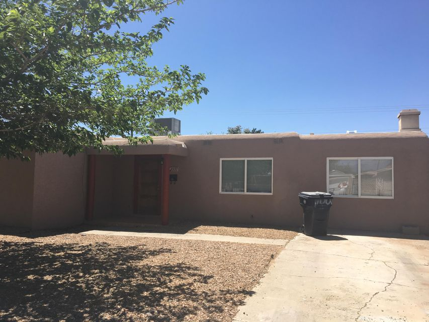 337 Estancia Drive NW, Albuquerque, NM 87105