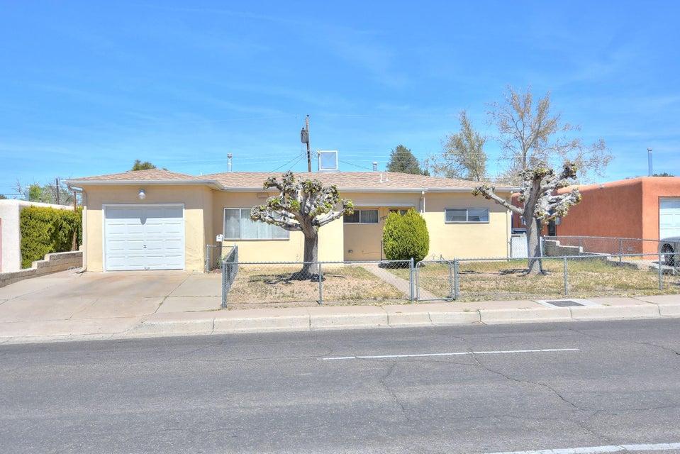 5921 Candelaria NE, Albuquerque, NM 87110