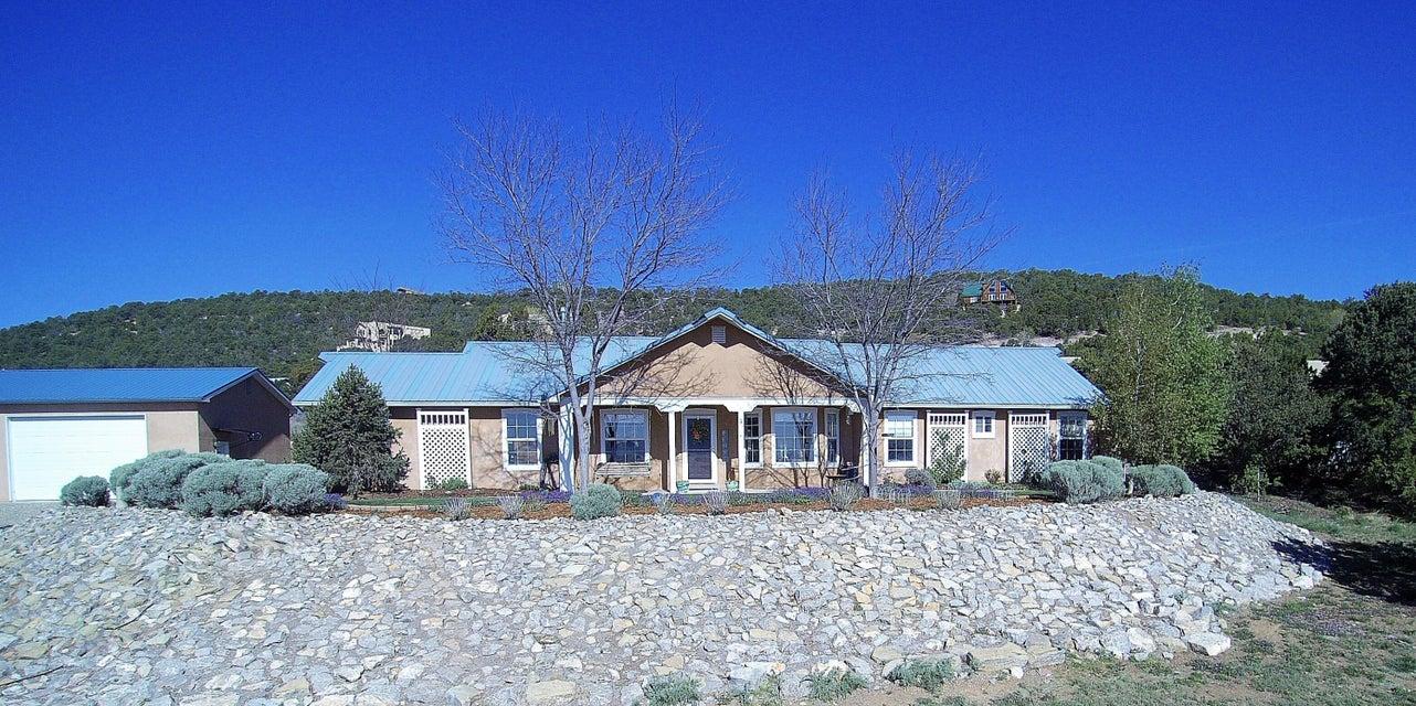 51 Western Saddle Drive, Tijeras, NM 87059